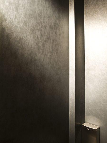 woeller-vinyl-washroom-ki-vancouver